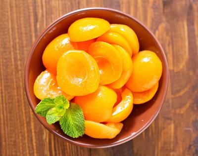 Greek canned peaches
